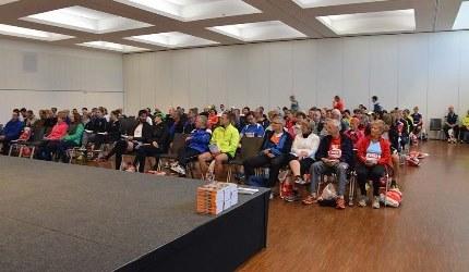 Kast 130 Breed : 141 sportlerbibeln für interessierte läufer und läuferinnen beim 14